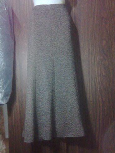 Продпаю две юбки  б/у.Первая драповая  в Бишкек