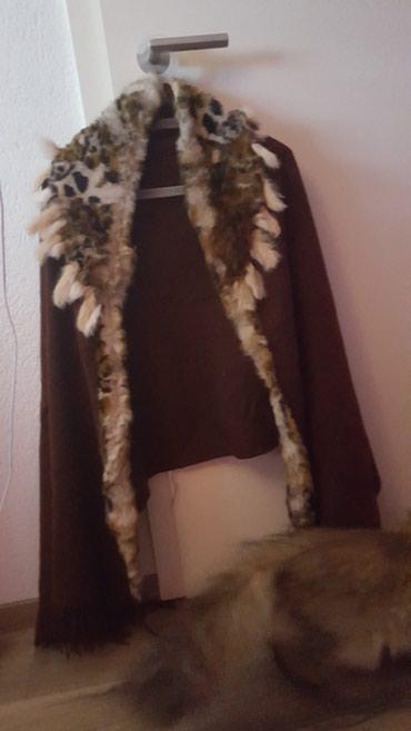Krzneni kaputi - Paracin: Prirodno krzno. ogrtac. ocuvan je lep. kao nov je