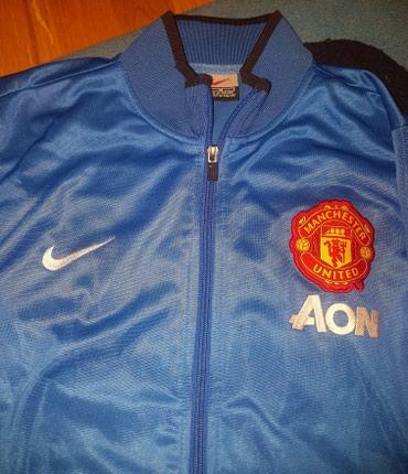 Manchester city - Srbija: Nike manchester dres - dux, ili gornji deo trenerke. Pise M za