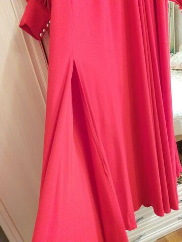 шикарные вечерние платья в пол в Кыргызстан: Сдается на прокат  Сочно-ярко красного цвета Шикарно сидит  Размеры s