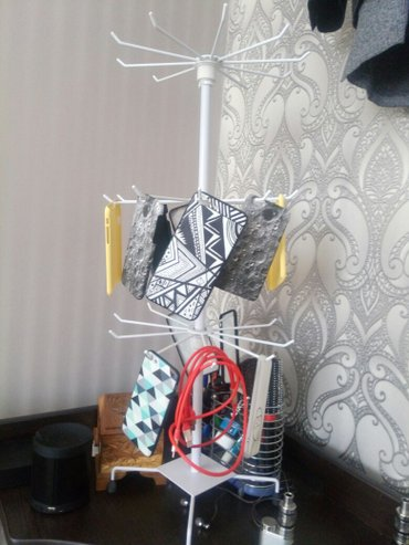 Вешалка для чехлов и аксессуаров. Также продам оптом чехлы, наушники,  в Бишкек