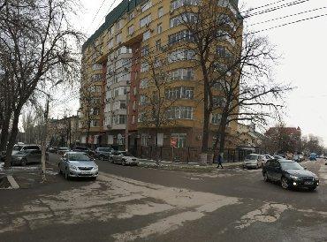 продажа торгово офисных помещений в Кыргызстан: Продается два офисных помещения 280 кв.м. и 275 кв.м. первый этаж под