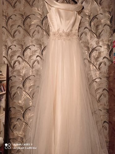 Свадебные платья и аксессуары - Кыргызстан: Продаётся: свадебное платье (абсолютно новое, с этикеткой. Цвет -