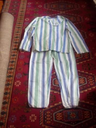 Другое в Каракол: Продаю пчеловодный костюмы штаны и куртка 52-54 размер прошу 500 сом