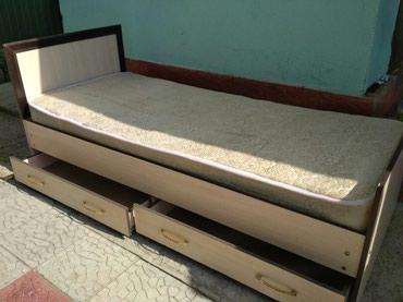 Односпальная кровать с матрасом в хорошем состоянии в Бишкек