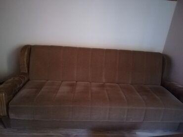 Prodajem kauč maximalno očuvan, bez oštećenja