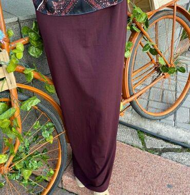 Базовая прямая юбка в бордовом цвете, размер стандарт