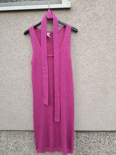 Haljine - Cacak: Tezenis roze haljina, veličina M, viskoza 80%, lepa haljina uz telo. N