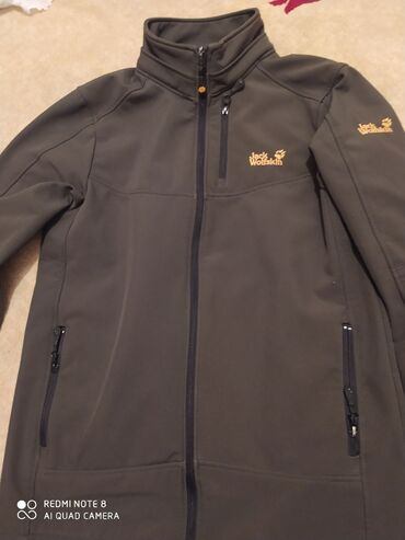 Дими сезонка Куртка от jack wolfskin на термо флисе цвет хаки б/у
