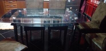 Stakleni sto