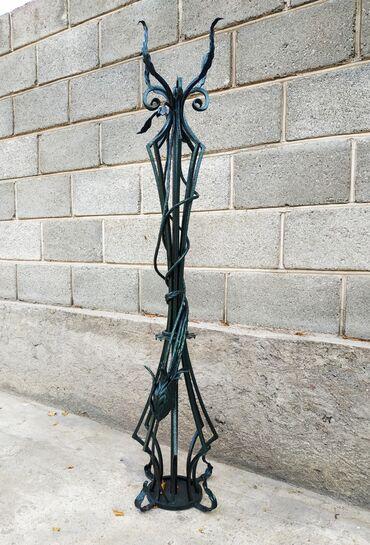 моушн дизайн бишкек в Кыргызстан: Кованые столбы под освещение сада, двора, можно использовать под
