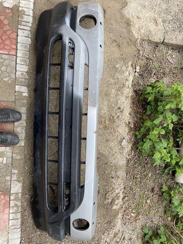 Автозапчасти - BMW - Бишкек: Продаю передний бампер на БМВ Е53