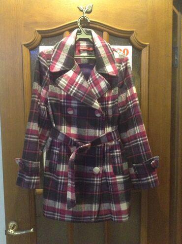 Продаю пальто подростковое после химчистки размера S