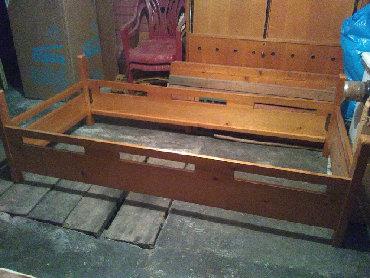 Ostali | Srbija: Krevet drveni - na rasklapanje .Bez dušeka. Pod kreveta se izvadi