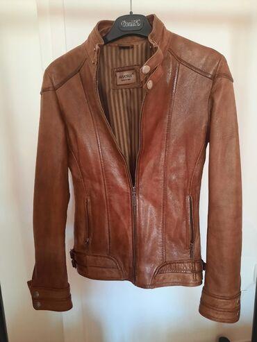 Italijanska kožna jakna u savršenom stanju. S veličina