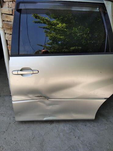 Автозапчасти в Кербен: Задняя левая дверь Тойота эстима