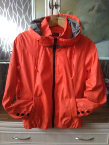 продаю ветровку 700с,размер 44-46 в идеальном состоянии; куртка черная в Бишкек