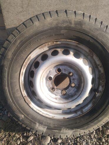 диски мерседес спринтер r16 в Кыргызстан: Диск с покрышкой на Мерседес Спринтер 235/65 R16 С .привозной. на