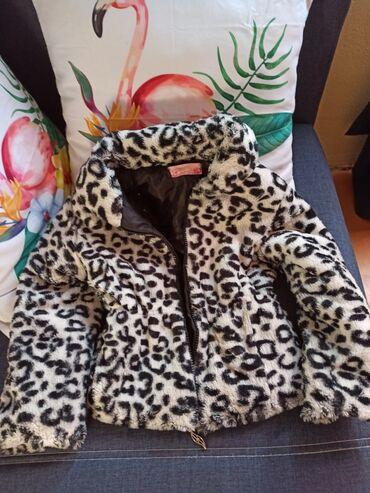 Dečije jakne i kaputi | Krusevac: Preslatka bundica za devojčice. Veličina 6/7. Kopča se rajsferšlusom i
