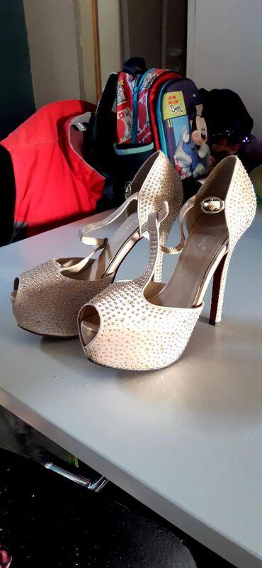 Ženska obuća | Kovilj: Stikle sa cirkonima br 39