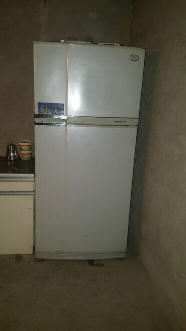 | Б/у Двухкамерный | Белый холодильник AEG