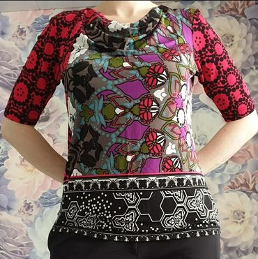 Яркая, женственная блузка немецкого бренда Comma в отличном состоянии