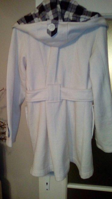 Ženska odeća | Smederevo: Beli kaputić,, skida se kapuljača, velm
