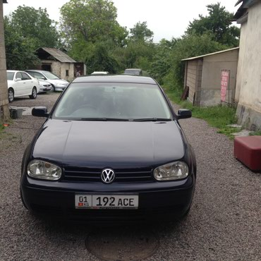 Volkswagen Golf 2003 в Казарман