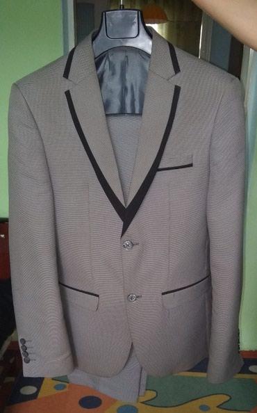 Серый мужской костюм. в Бишкек
