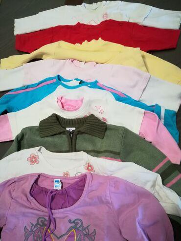 Dečija odeća i obuća - Vranje: Duksevi, bluzice, demperi 9 kom sve za 1700 din, za uzrast 2-4