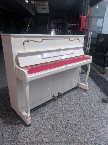 Bakida pianolar satilir