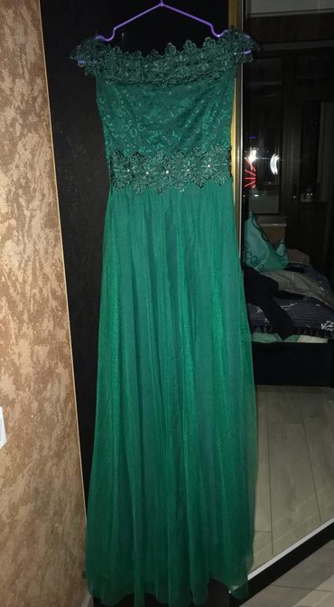 Женская одежда в Тюп: Платье новое.Один раз одевали на выпускной .Состояние отличное