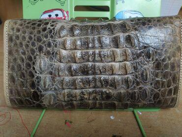 поясные сумки женские в Кыргызстан: Продаю женский клатч из кожи крокодила. Привезли из Африки, кожа 100%