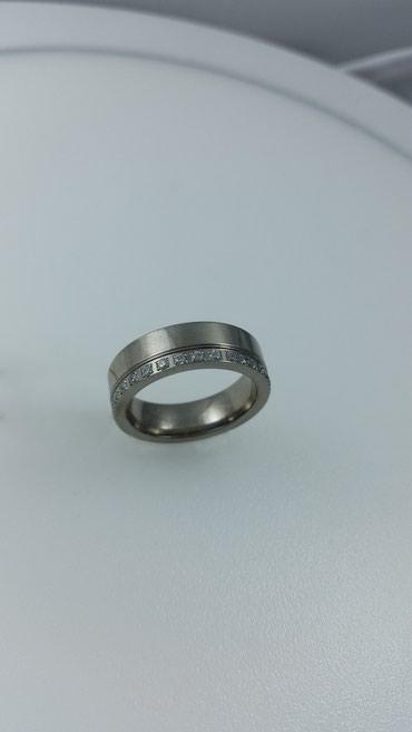 Кольцо из титана с цирконом. Размер 18. Цена 4000 Сом в Бишкек