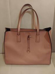 Puder roza boja torbe kao nova - Crvenka
