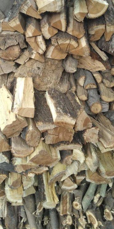 Продаю недорого дрова. Свежие 3-5 месяцев назад рубленые В небольшом