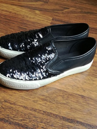Broj-je - Srbija: Prelepe cipele,kao nove,udobne,moderne,broj je 37 ali je malo veci