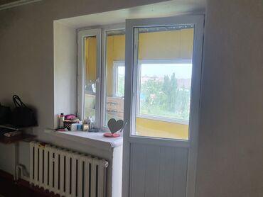 Продажа квартир - Восток - Бишкек: 2 комнаты, 42 кв. м Бронированные двери, С мебелью, Парковка