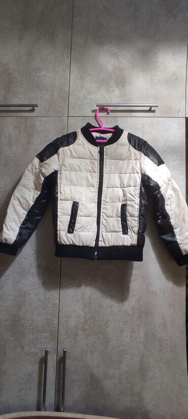 Детская куртка, как на мальчика, так и на девочку 5-6 лет. Торг
