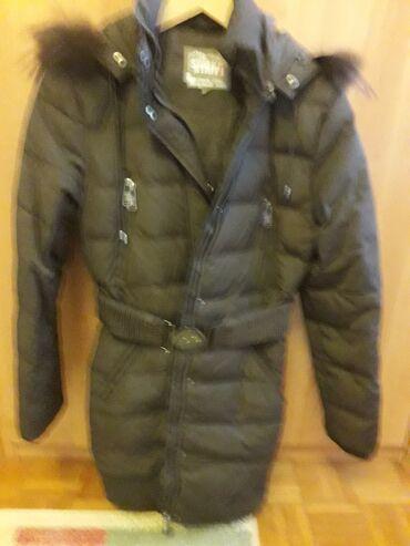Staff zimska jakna.Broj 38. Nosena jednu sezonu. Jako ocuvana