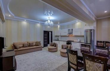 VIP 2х комнатная квартира в 7м микрорайоне с шикарным интерьером.  При