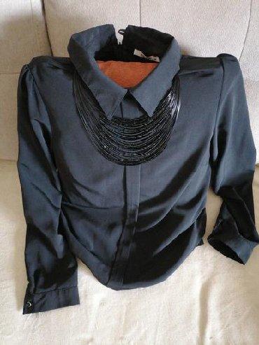 Košulje i bluze | Kovacica: Kosulja elegantna, zajedno sa ogrlicom. Kao nova.velicina odgovara L