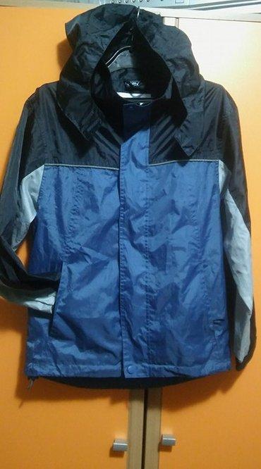 Dečije jakne i kaputi | Kikinda: Jakna za kisu, velicina 140/146. Kapuljaca moze da se savije i spakuje