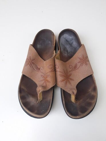 Kožne papuče anatomski uložak bez oštećenja. Broj 39