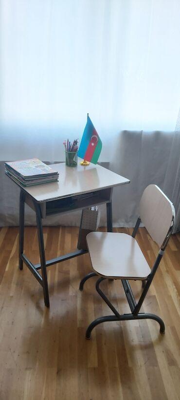 yazi stolu - Azərbaycan: Usaq ucun parta, yazi stolu. Hec bir zedesi, qiriqi yoxdur. Teze kimid