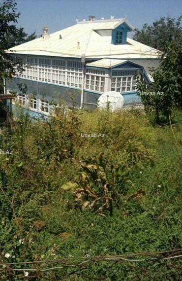 Bakı şəhərində Lenkeranda ev. Seliqeli, genis ve heyetyani sahesi olan ev satilir.