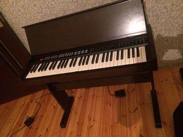 Toy aksesuarları - Azərbaycan: Salam tacili elekdro piano satilir hecbir pirablemi yoxdur tazakimidir