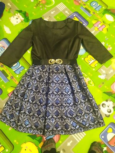 Платье в идеальном состоянии в комплекте ремешок размер 46-48
