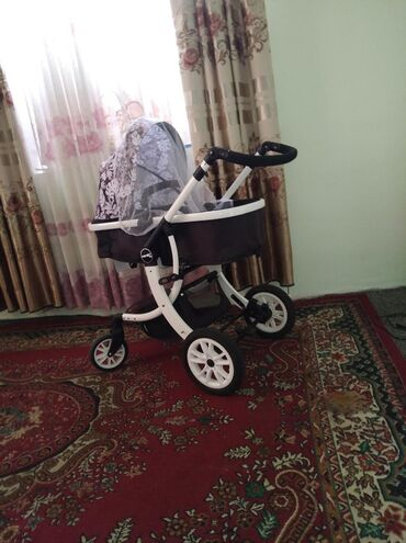 хорошие портнихи в бишкеке в Ак-Джол: Продаётся коляска трансформер состояние хорошее брала 9.500с продаем 6