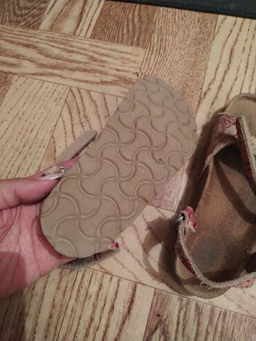 Продаю детские сандали очень качественные из пробковой подошвы
